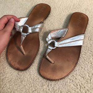 lily pullitzer silver sandals
